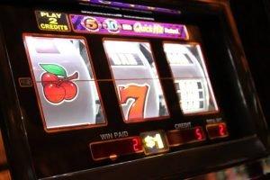 Social media and slot games